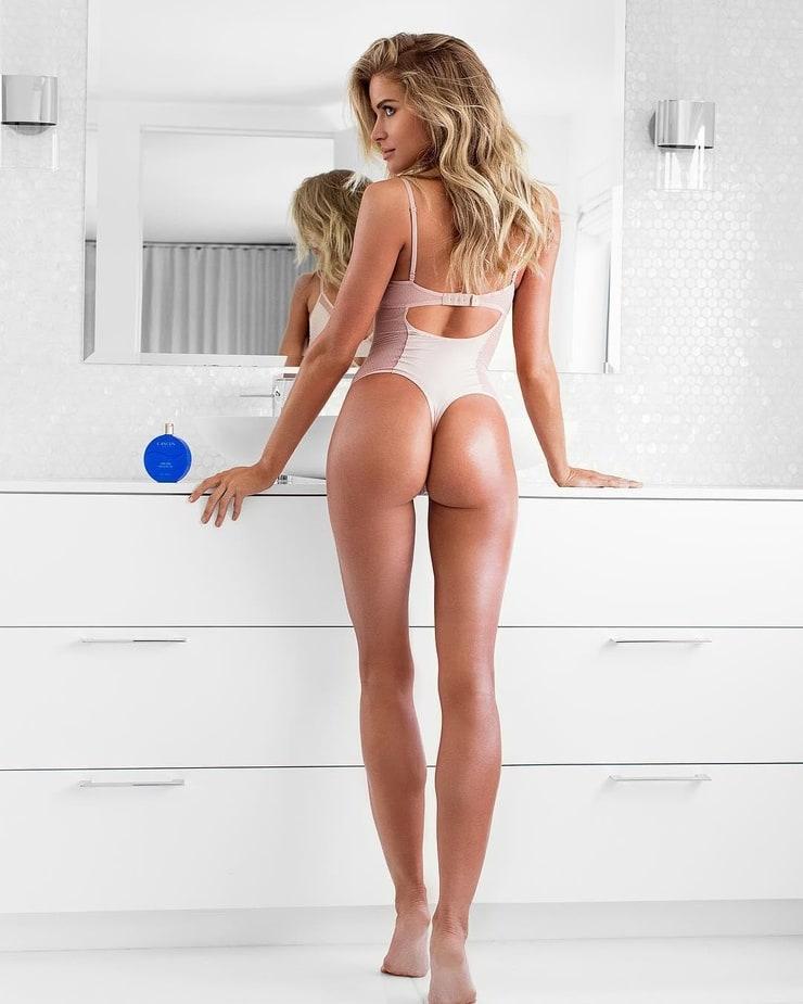 Lebamoff nackt Ciara  Ciara Lebamoff