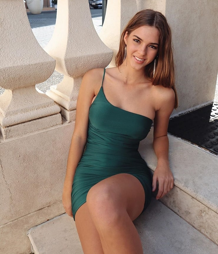 Picture of Emily Feld
