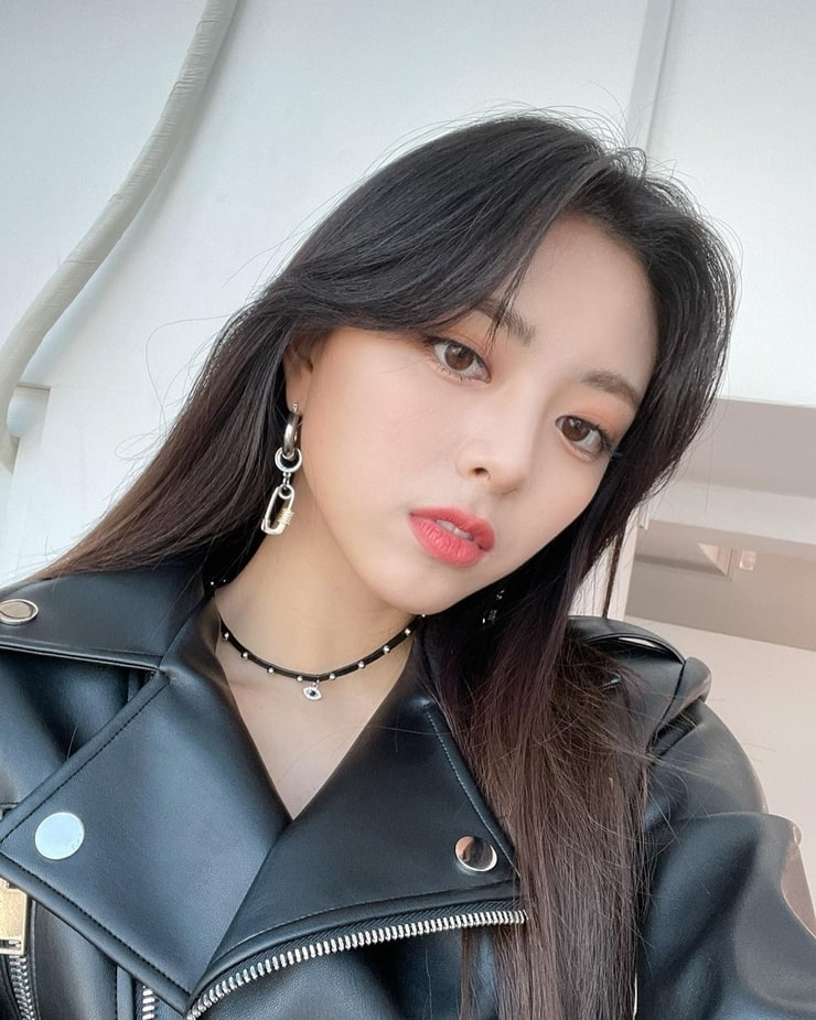Picture of Yuna (ITZY)