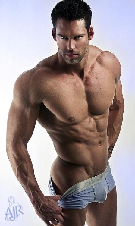 мужчины с голым торсом фото