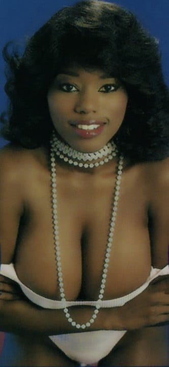 Courteney cox topless