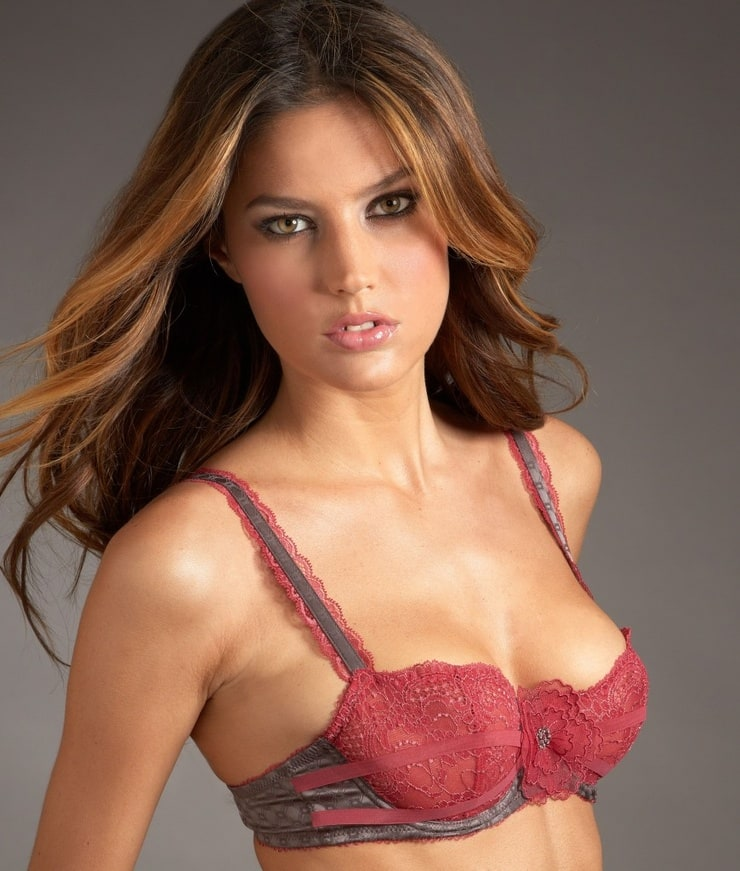 """leticia spanish girl personals 6 things i learned about dating spanish girls in madrid [kyle here this post about madrid and spanish girls is a guest post by alex at the """"forever alpha blog."""