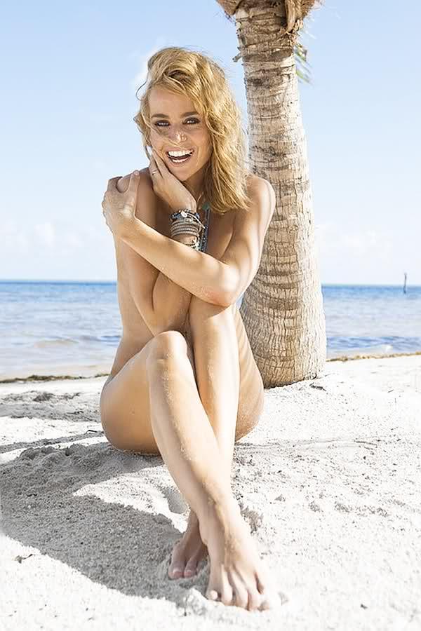 deckers nude Daphne