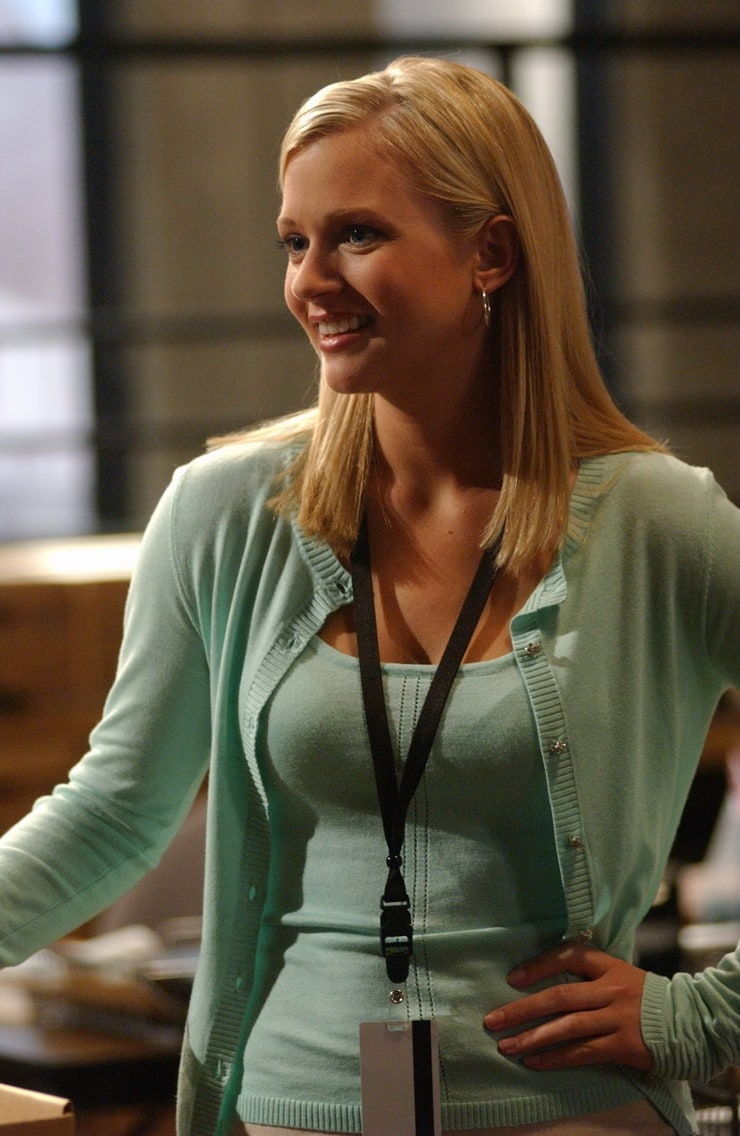 75+ Hot Pictures Of A.J Cook From Criminal Minds Will Make