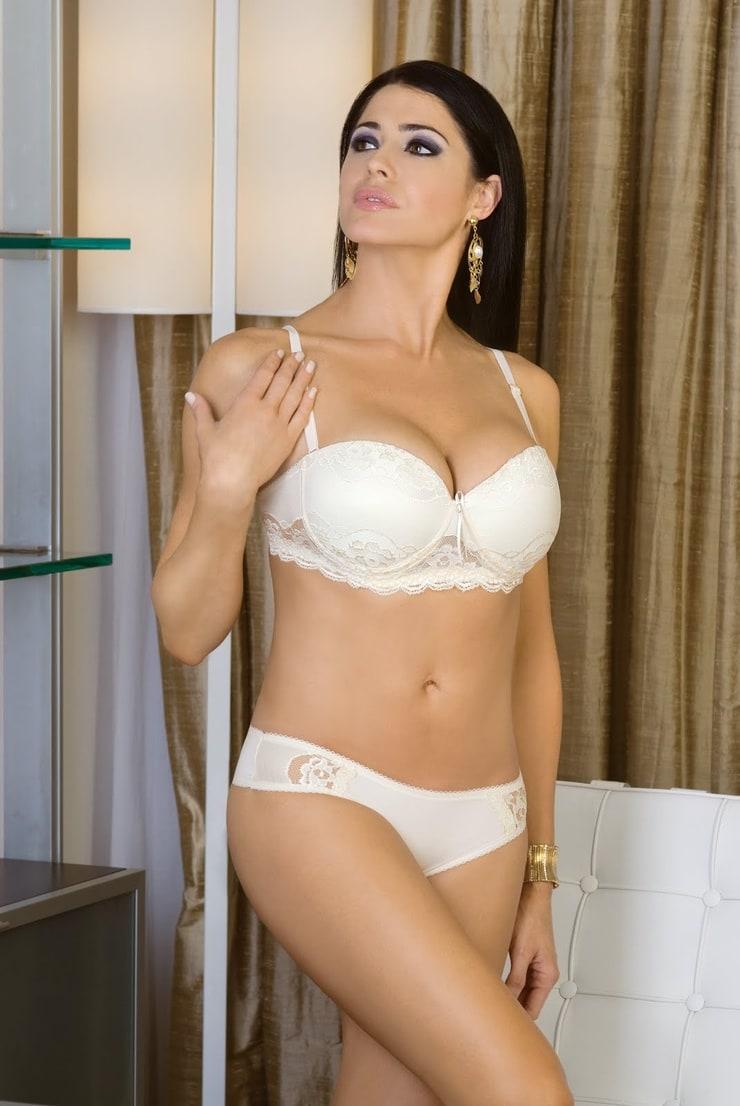Nina Landey