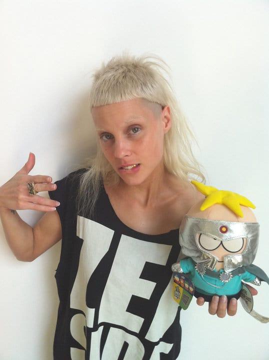 Die antworrd make-up artist-stylists-modeling