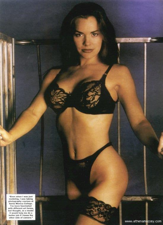 Athena Massey lesbian foto 98