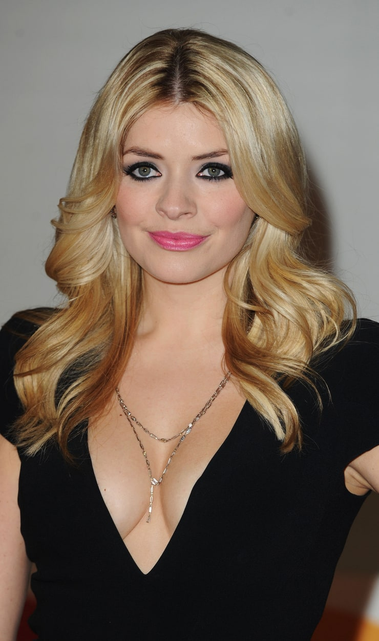 holly willoughby - photo #32