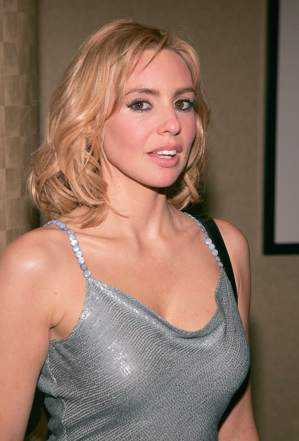 Olivia d'Abo Nude Photos 29