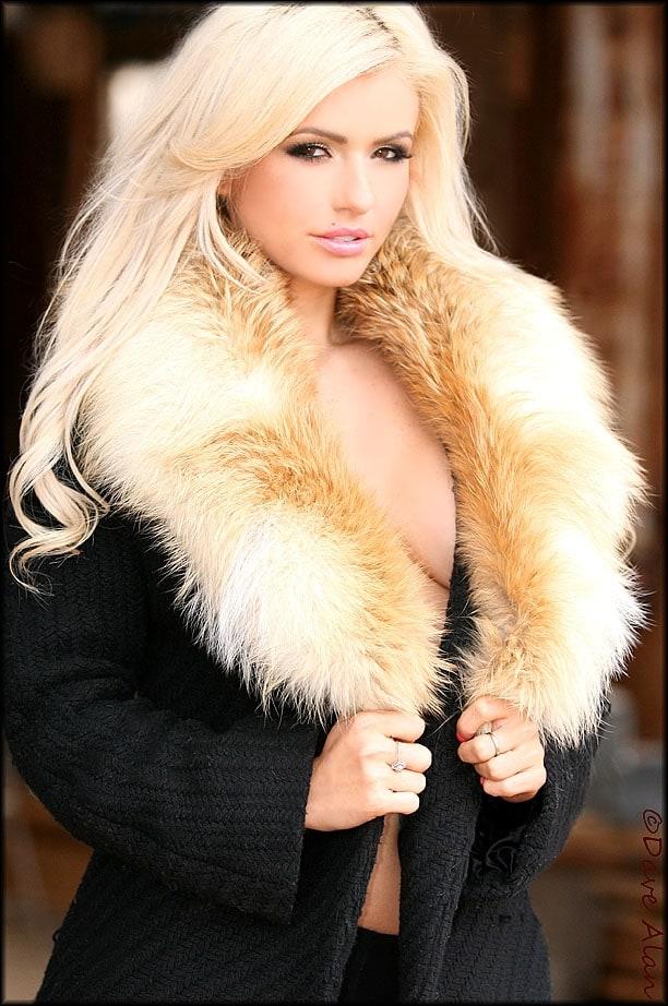 profiler fetisch blond