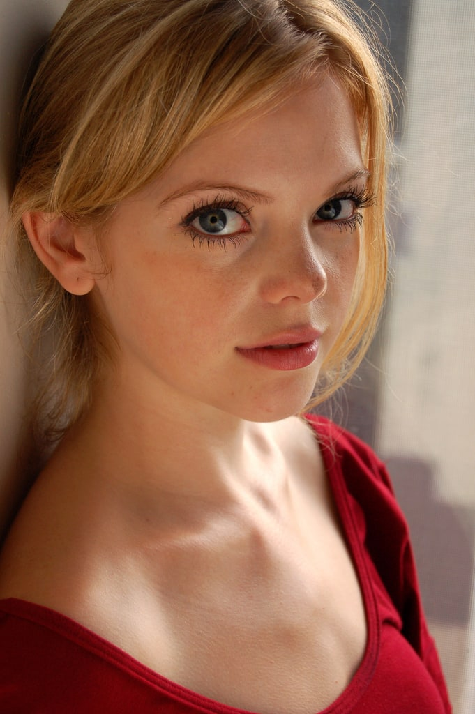 dreama walker wallpaper