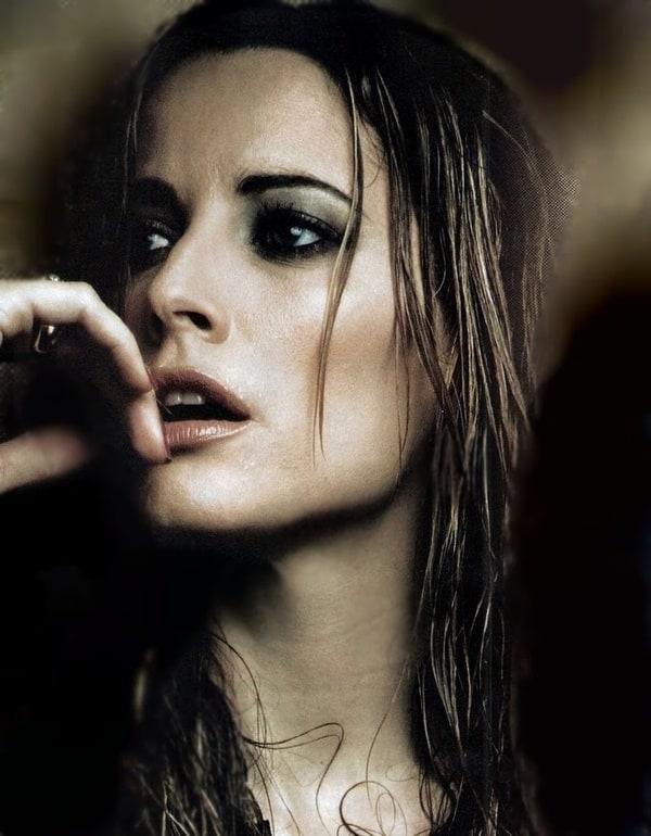 http://iv1.lisimg.com/image/4095392/600full-maria-jo%C3%A3o-bastos.jpg