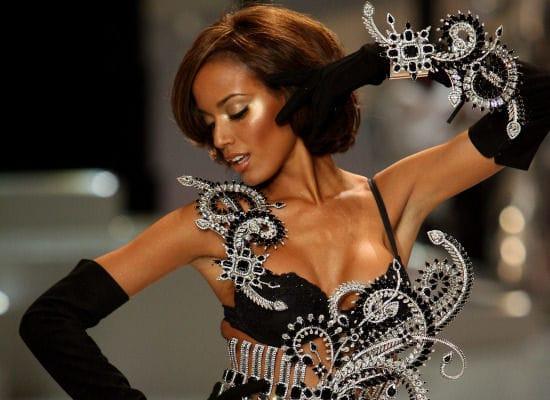 The Victoria's Secret Fashion Show                                  (2008)