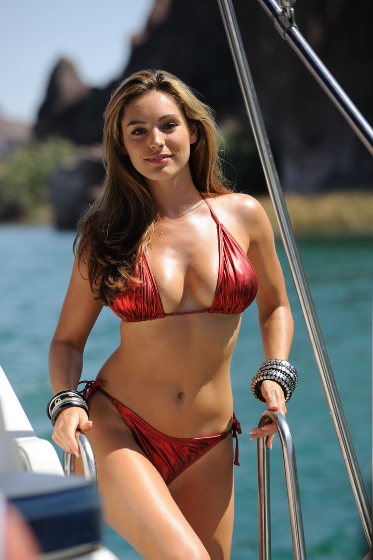 kelly brook рост вес