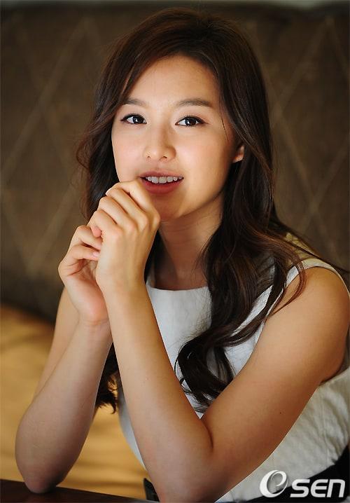 http://iv1.lisimg.com/image/4209929/600full-ji--won-kim.jpg