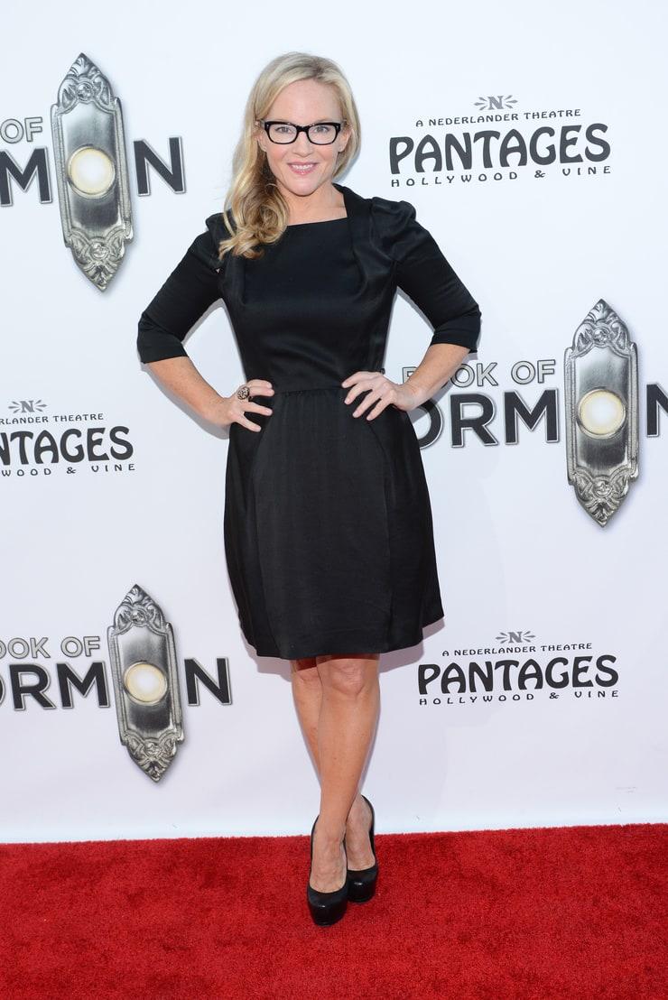 Picture of Rachael Harris Rachael Harris Legs