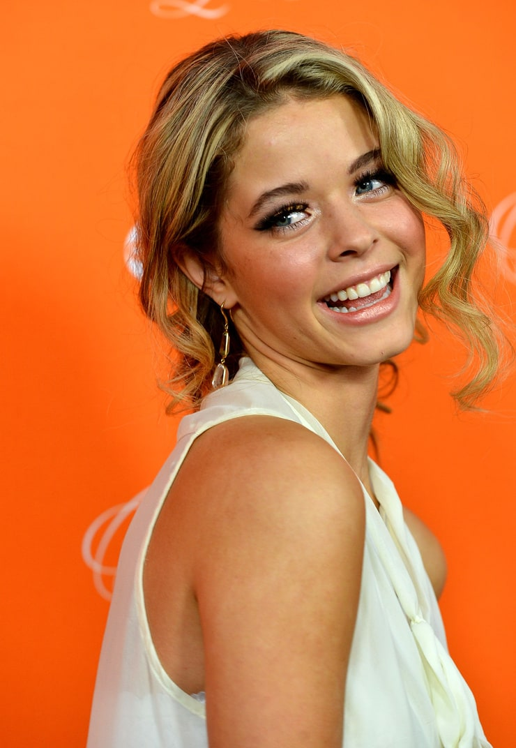 Picture of sasha pieterse sasha pieterse avatar added by ultimateone 5 years ago on 17 october 2012 1010 thecheapjerseys Images