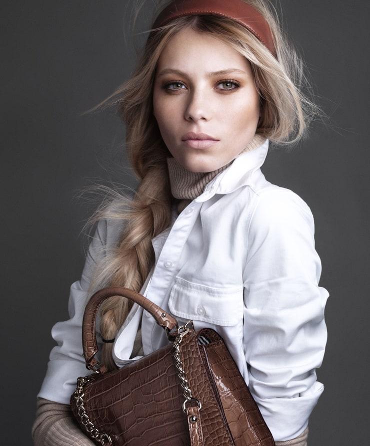 Vika Falileeva