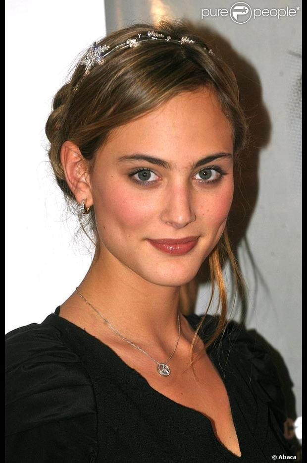 nora arnezeder singing