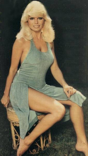 Consider, Loni anderson toes question