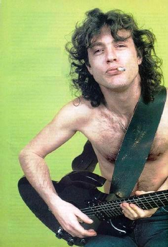AC/DC - Guitar Player Magazine 1984