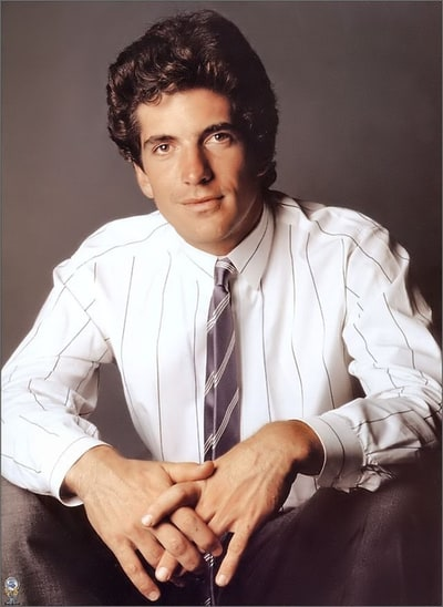 picture of john f kennedy jr