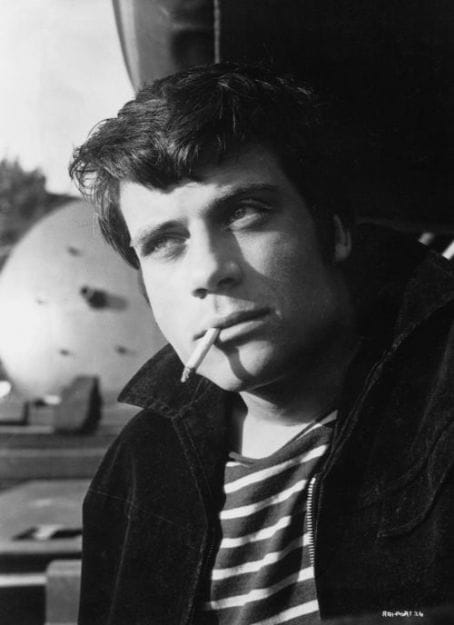 oliver reed how tall
