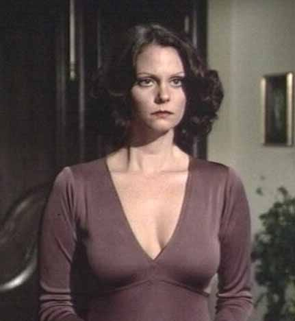 Naked Lesley Ann Warren in Apology ANCENSORED