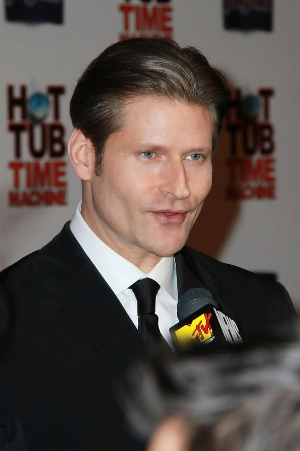 how tall is crispin glover
