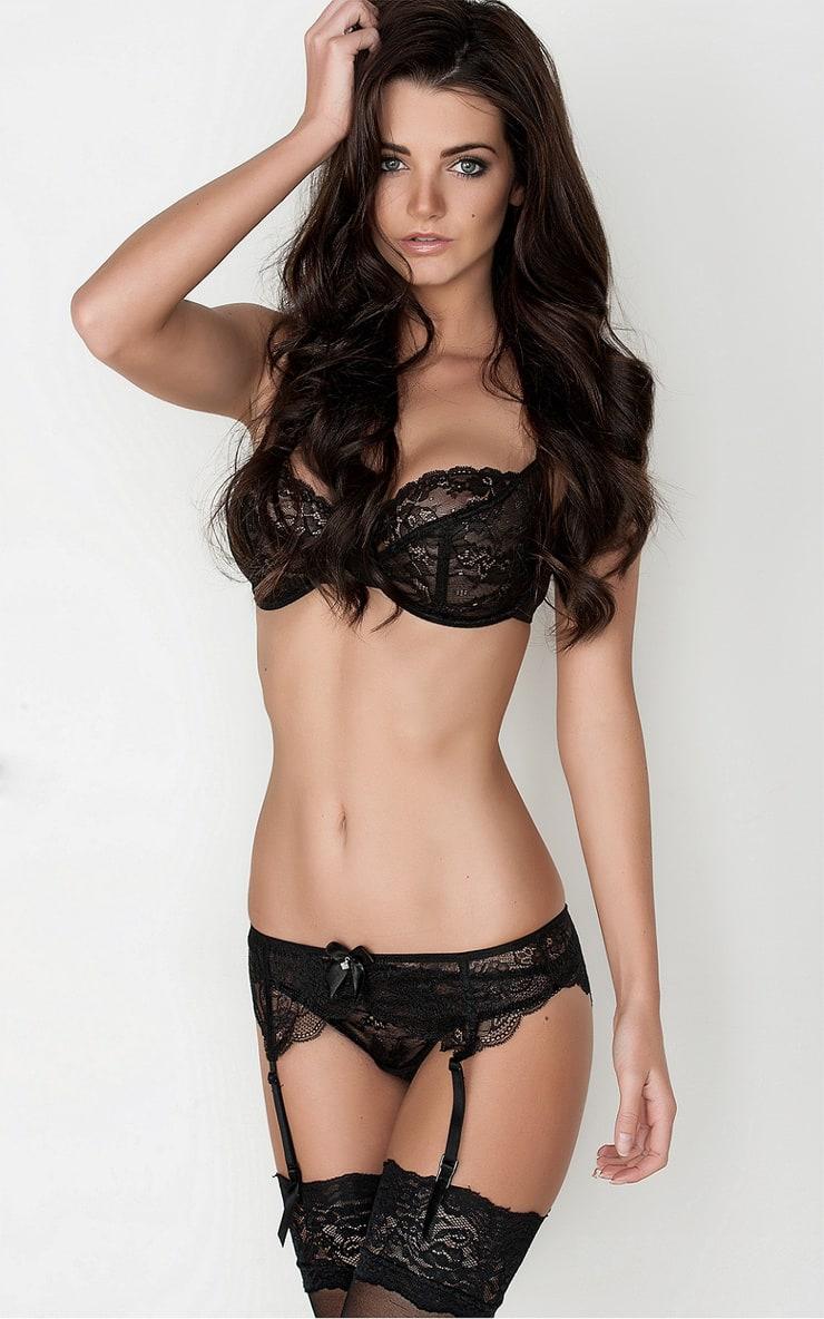Фото красивых девушек без нижнего белья 18 лет 21 фотография