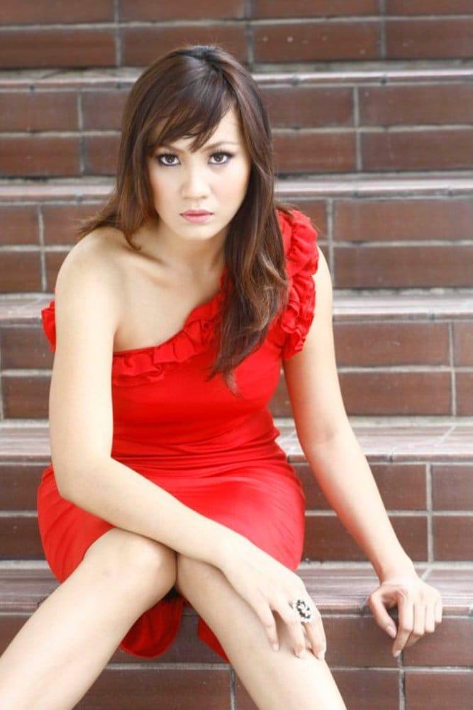 Yana Samsudin Hot