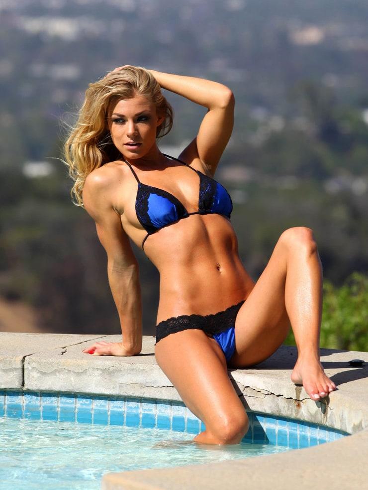 Amazing Bikini Pics 84