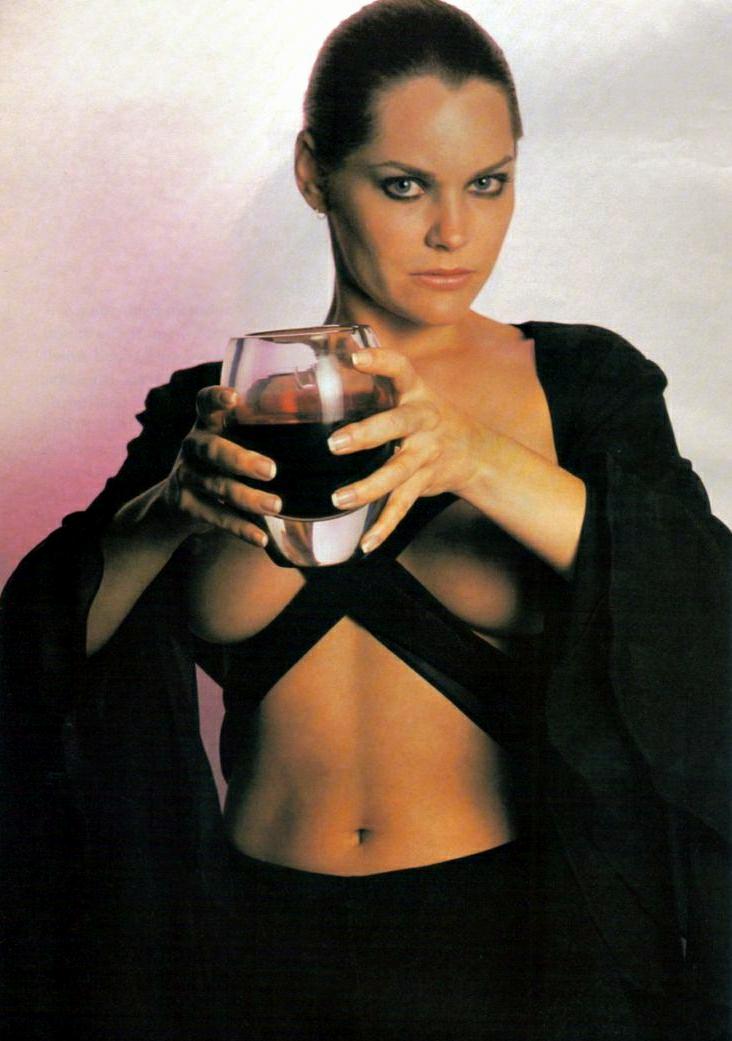 Athena Massey lesbian foto 62