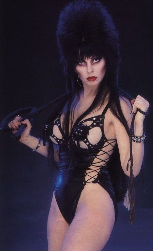 Elvira Cassandra Peterson, Mistress of the Dark nude.