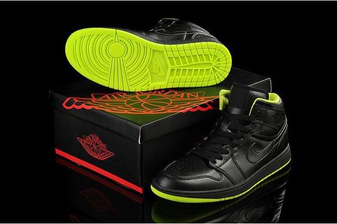 1b9d716f6e3d Picture of Black Neon Green-Retro Jordan 1 (I) Nike Basketball Shoes