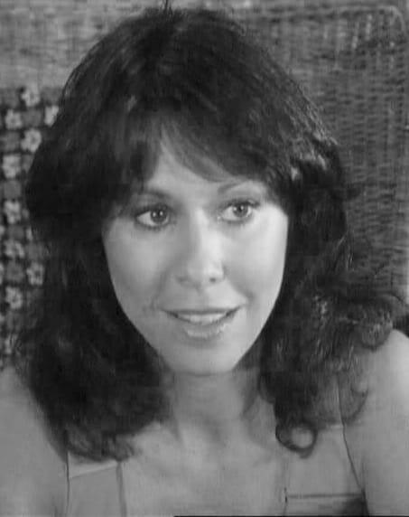 Elaine Giftos salary