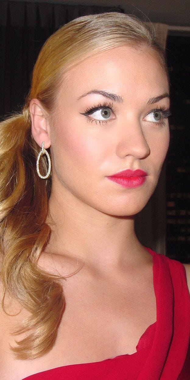 Yvonne Strahovski Brown Hair Picture of Yvonne Stra...