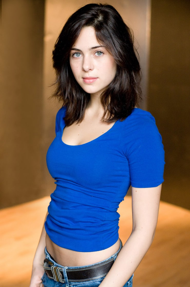 holly deveaux height