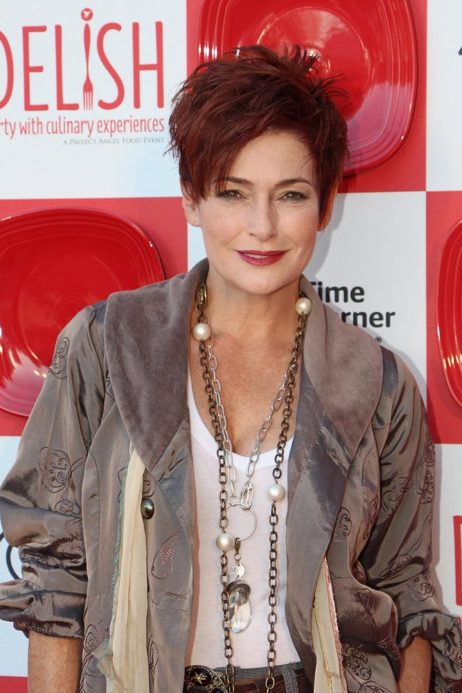 carolyn hennesy feet