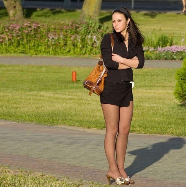 присланное фото онлайн женщин в мини юбках и колготках