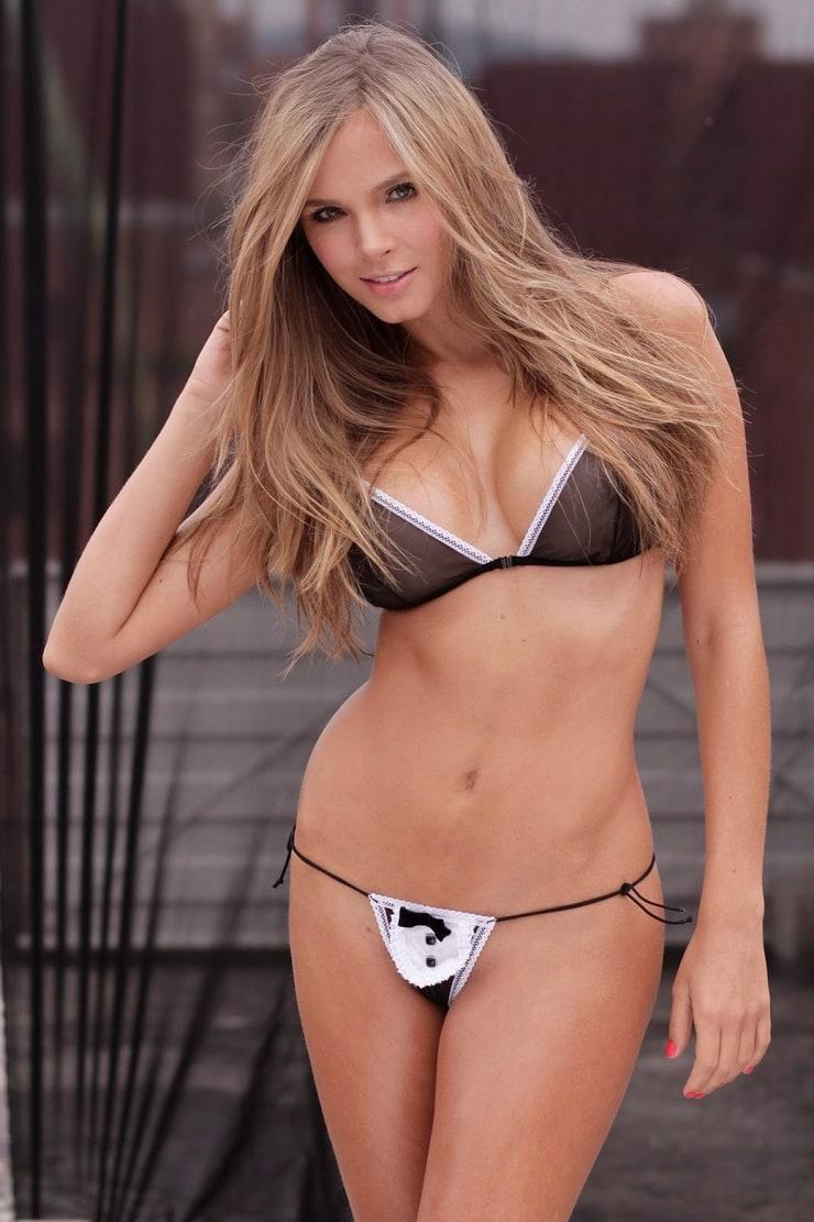Cleavage Sophie Mudd nude (57 photo), Sexy, Paparazzi, Selfie, in bikini 2015
