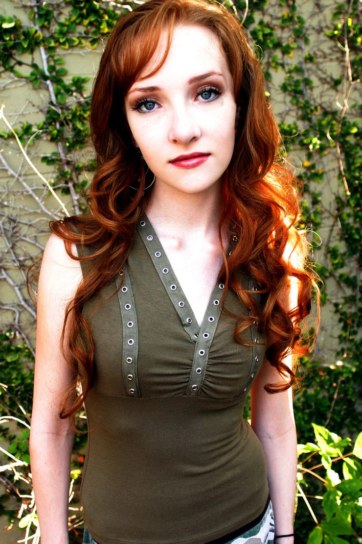 Picture of Scarlett Pomers