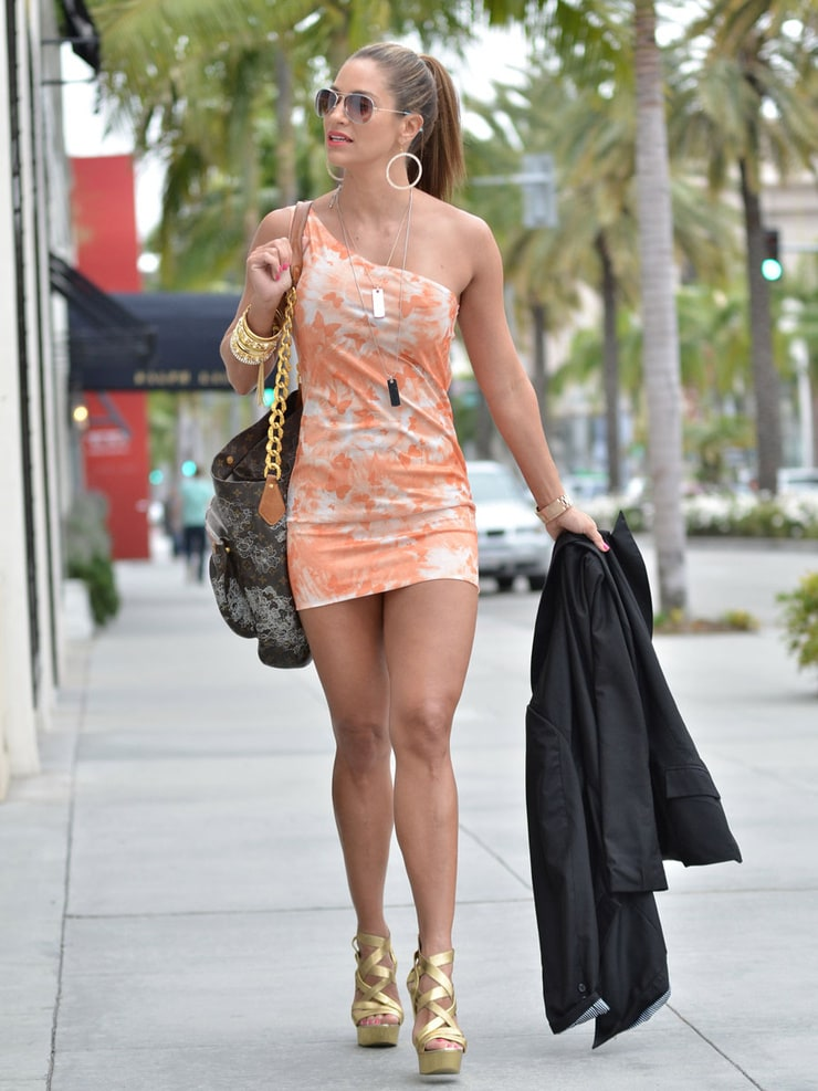 Perfect 60 Sexy Women Wearing High Heels