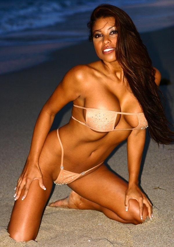 Claudia Verela Nude 27