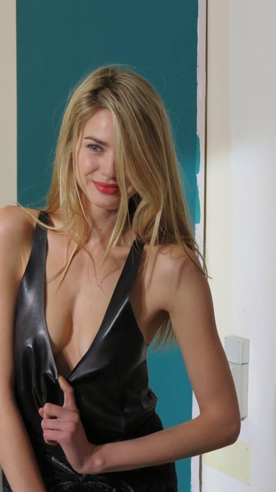 Lacie heart anal
