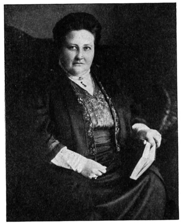 a literary analysis of poetry by amy lowell