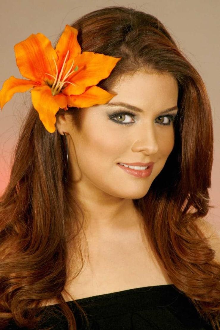 Alejandra Lazcano Nude Photos 50