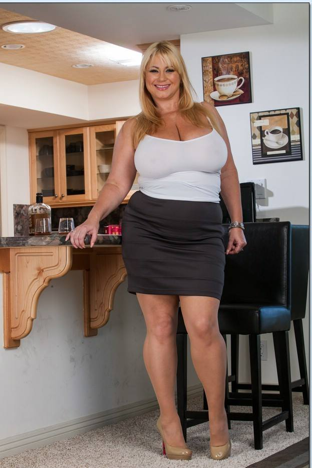 Busty german mature ladies in sexy.., image # 3.