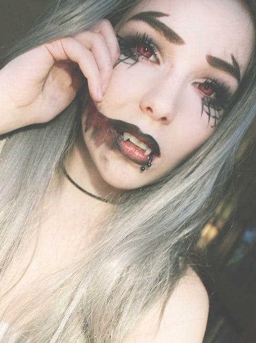 Sexy vampire makeup for men