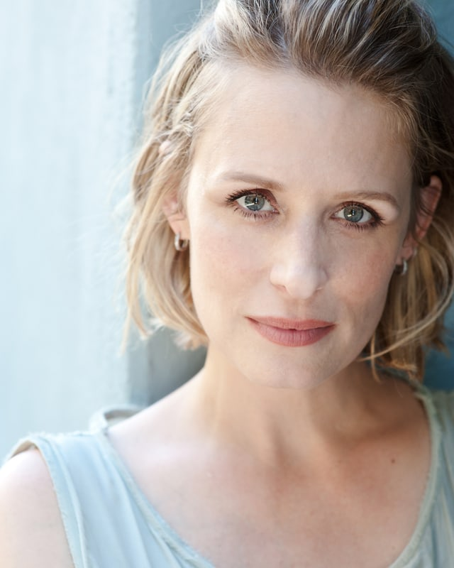 samantha smith memo Samantha smith - samantha a sam smith (born november 4, 1969) is an american actress she is best known for her recurring role as mary winchester on the paranormal and fantasy tv series.